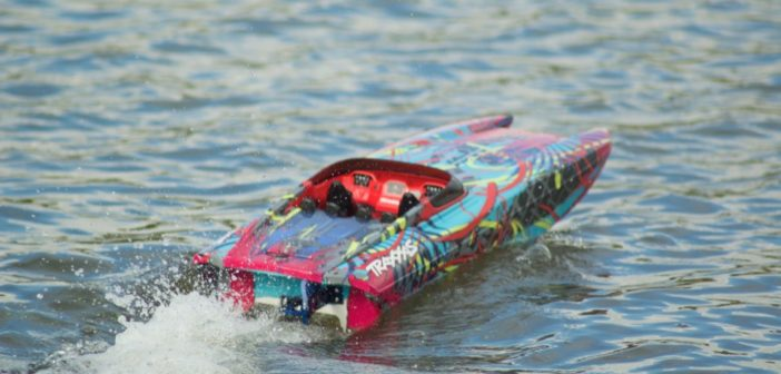 50+ mph Traxxas M41 Widebody Catamaran