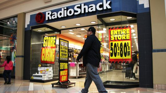 RadioShack partners with HobbyTown to sell electronics in 100 US stores