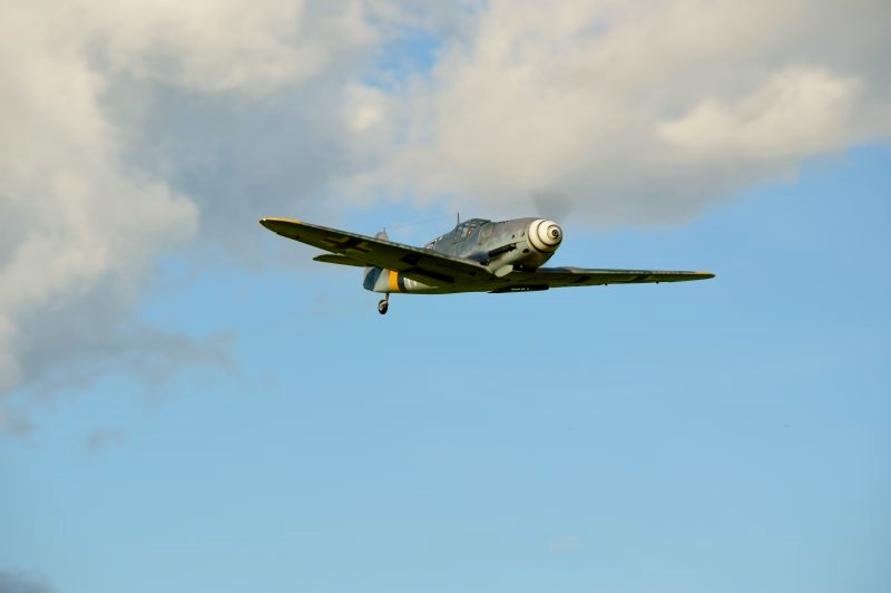Click image for larger version  Name:Bf 109 09.jpg Views:82 Size:69.9 KB ID:1906119