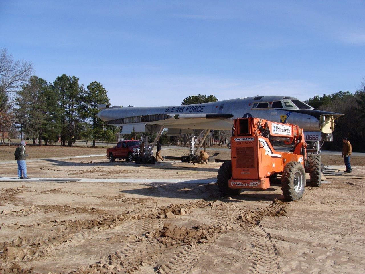 Click image for larger version  Name:B-58-transport-3.jpg Views:165 Size:288.7 KB ID:1937709