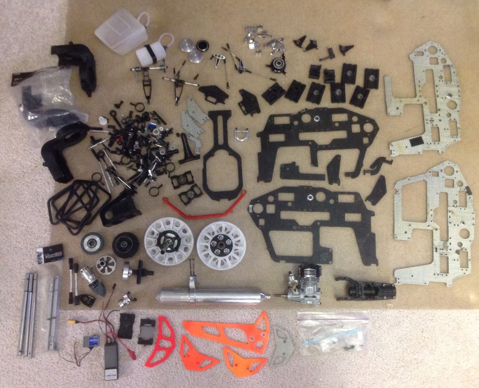 Click image for larger version  Name:rc helicopter parts 01.JPG Views:45 Size:296.4 KB ID:1991206