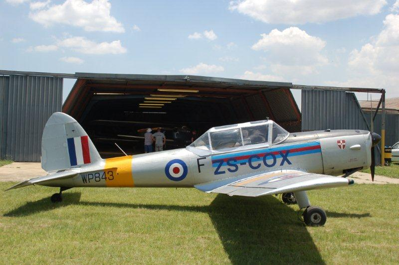 Click image for larger version  Name:DHC-1%20Chipmunk%20C1-0727%20ZS-COX%2001.jpg Views:76 Size:67.9 KB ID:2002712