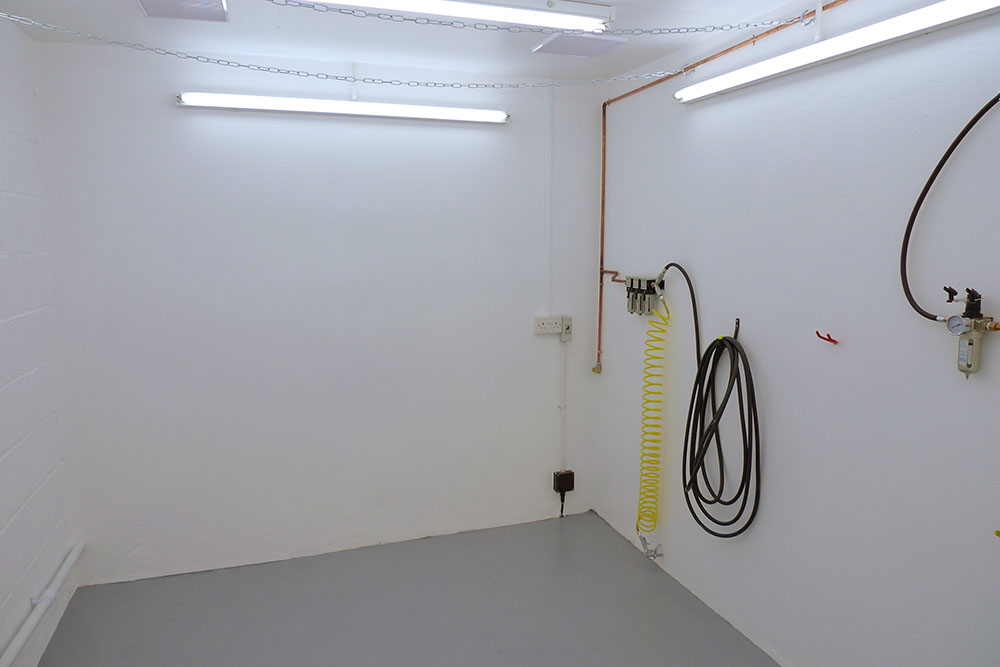 Click image for larger version.  Name:Spray room 3.jpg Views:55 Size:74.2 KB ID:2050422