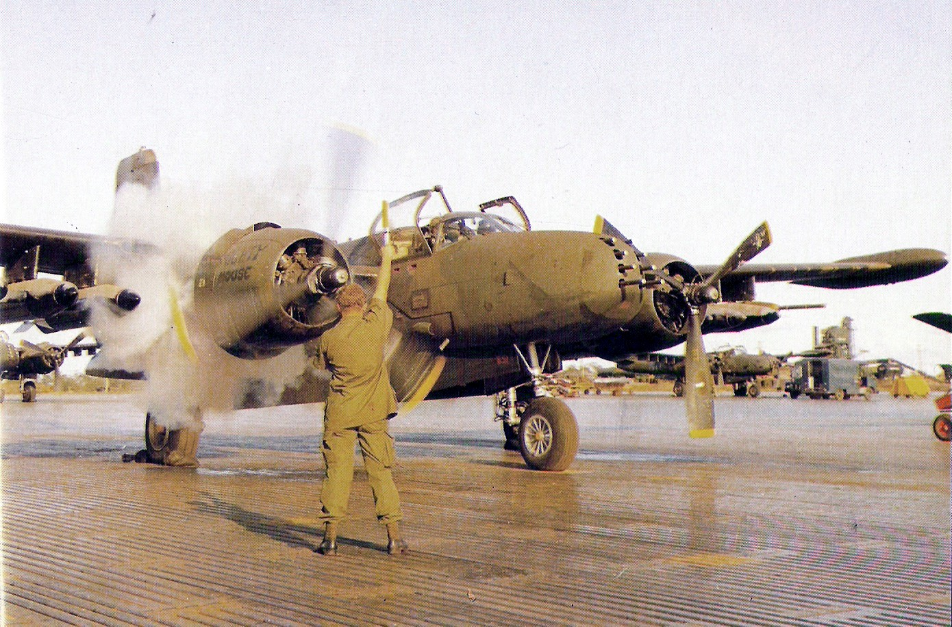 Click image for larger version  Name:B-26K_609SOS_NakhonPhanom_engine_start.jpg Views:386 Size:442.4 KB ID:2088423