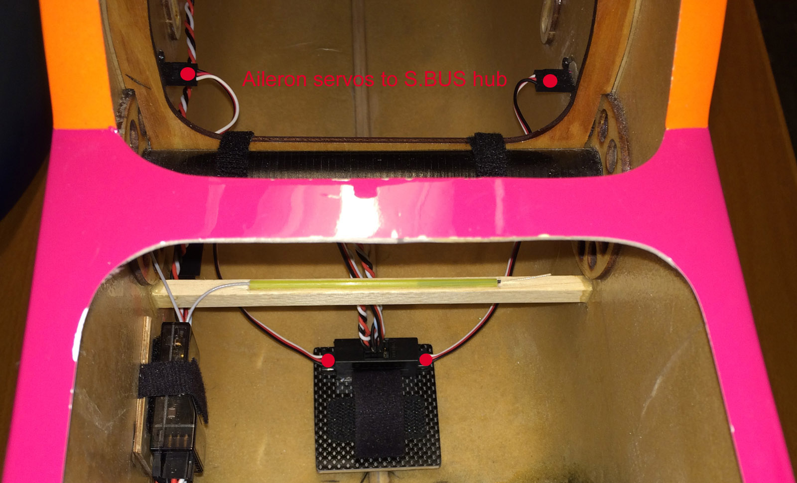 Click image for larger version  Name:002_d_Mounting_SBUS_hubs.JPG Views:1812 Size:245.9 KB ID:2160339