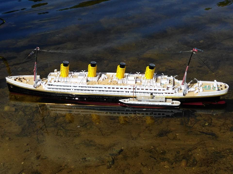 Click image for larger version  Name:Titanic and Nomadic 1.jpg Views:102 Size:88.4 KB ID:2183801