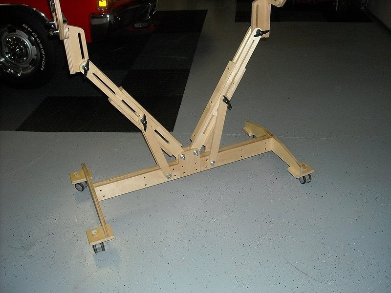 Click image for larger version.  Name:plane stand with wheels.jpg Views:26 Size:173.5 KB ID:2201656