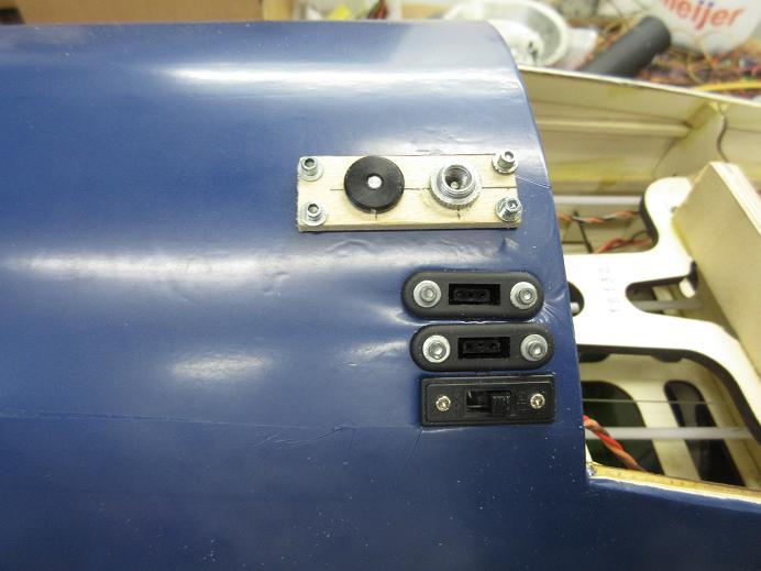 Click image for larger version  Name:F4U corsair top flite 32.JPG Views:24 Size:49.6 KB ID:2222829