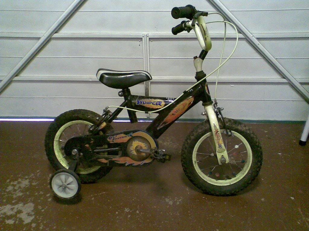 Click image for larger version  Name:Oldbike1.jpg Views:26 Size:100.2 KB ID:2236910