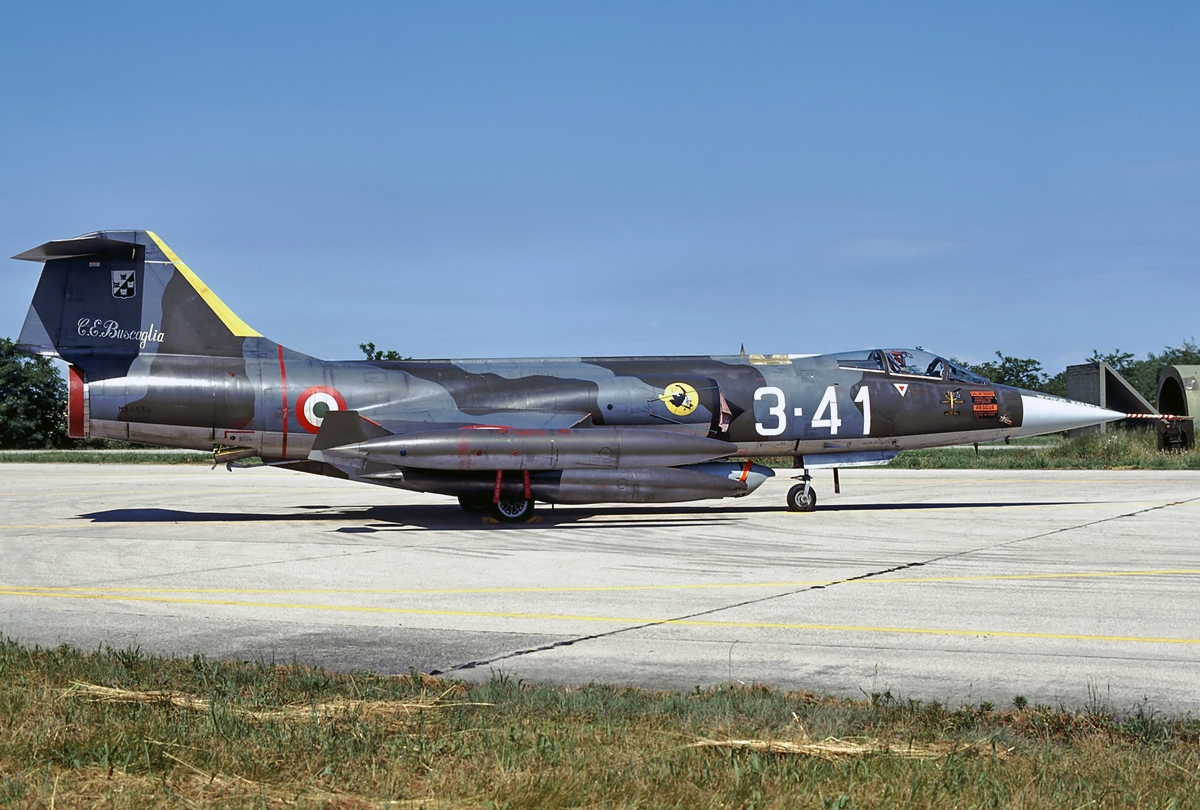 Click image for larger version  Name:Lockheed_F-104G_Starfighter,_Italy_-_Air_Force_JP6990039.jpg Views:82 Size:613.6 KB ID:2253585