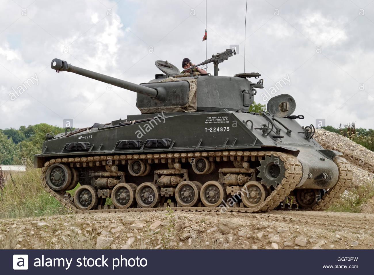 Click image for larger version  Name:an-m4a2-76-hvss-sherman-tank-at-the-tank-museum-bovington-dorset-united-GG70PW.jpg Views:40 Size:177.4 KB ID:2254708